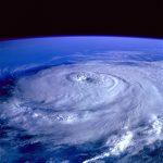 台風の動きが反時計回りな理由。北半球で左回りになるのは何故?