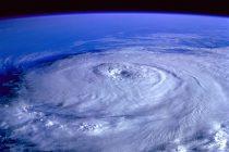 宇宙から見た台風