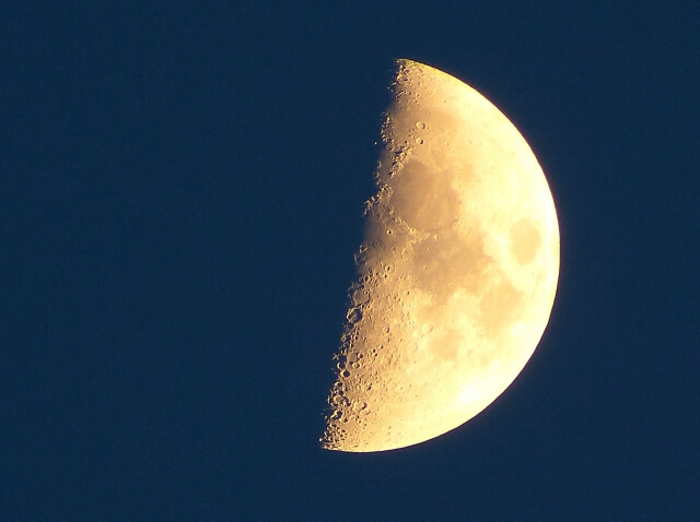 の 月 上弦