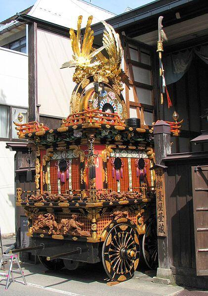 高山祭りの山車