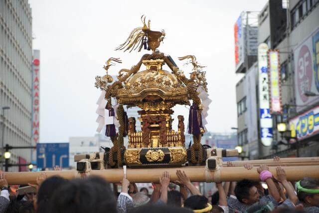 新宿の秋祭り熊野神社
